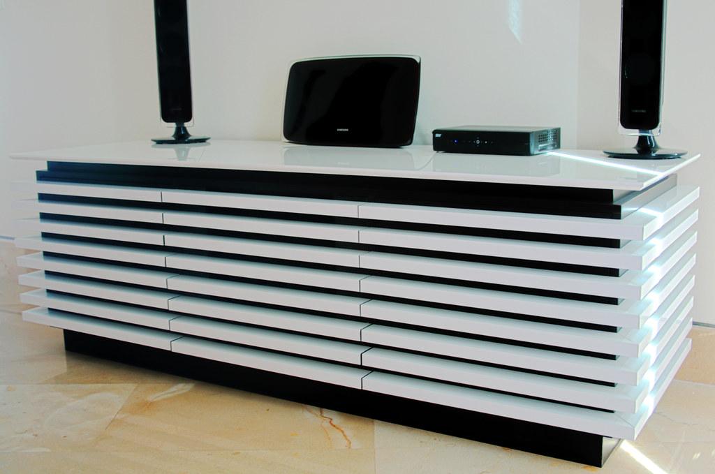 Dise o de muebles mueble para tv mobiliario moderno for Mobiliario moderno