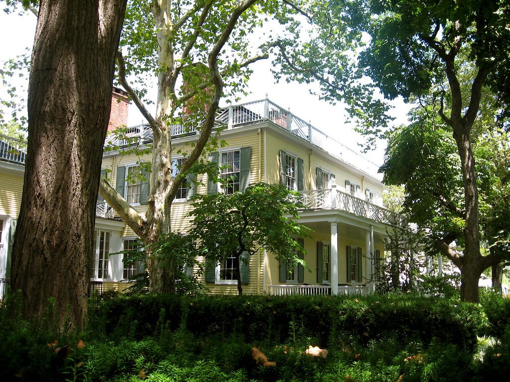 Gracie Mansion, Yorkville