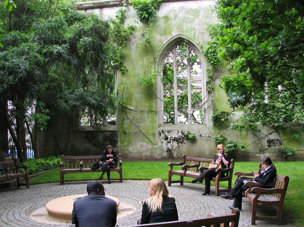 St Dunstan-in-the-East garden