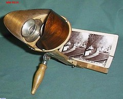 A stereoscope designed to be handheld.