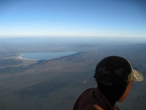 lake hat geotagged flying kenya fromabove hotairballoon nakuru elementaita geoafrica geo:lat=045180806170124327 geo:lon=361669921875 0tagged set:name=200911kenya