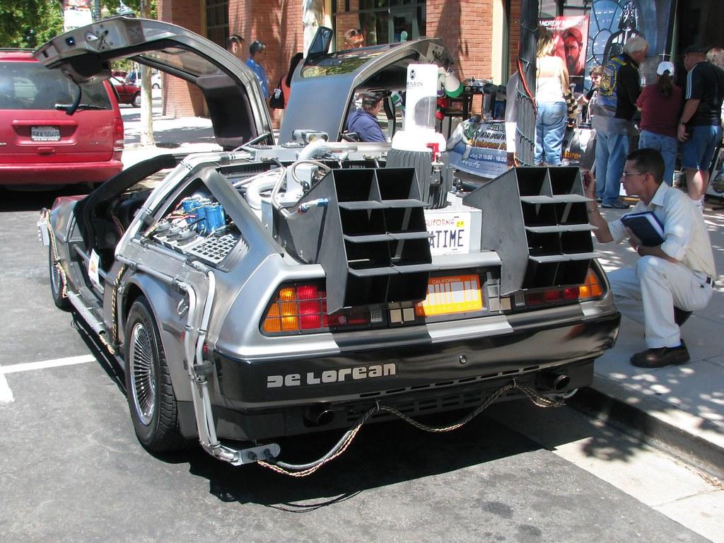 titor time machine car