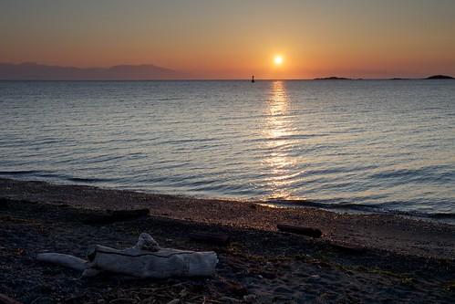 ocean canada beach sunrise pacific britishcolumbia nanaimo vancouverisland driftwood pacificocean straitofgeorgia piperslagoon ef1740mmf4lusm piperslagoonpark