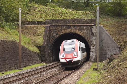 railroad train tren trenes swiss rail railway trains sbb svizzera bahn railways 670 ferrocarril icn biasca cantonticino sbbcffffs canoneos500d railview rabde500 icn670 rabde5000377 rabde500grock
