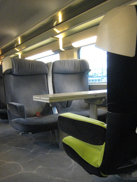 Interieur 1ere classe 1st class interior tgv lyria for Interieur tgv