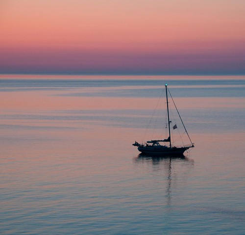 morning sea summer orange mer france sunrise boat nikon collioure bateau 18200 ete matin d300 pyreneesorientales