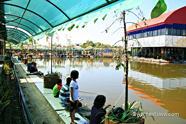 The fishing spot east java indonesia a tropical for Delta fishing spots