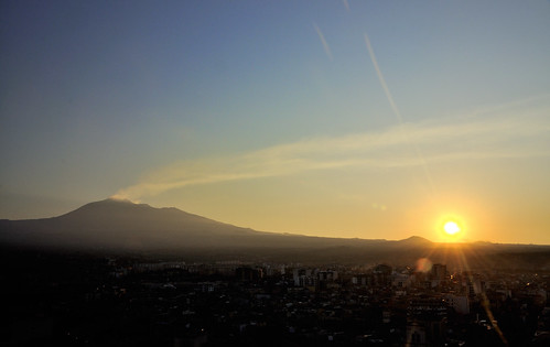 Mount Etna Volcano Dawn at Paternò Sicilia Italy - Creative Commons by gnuckx