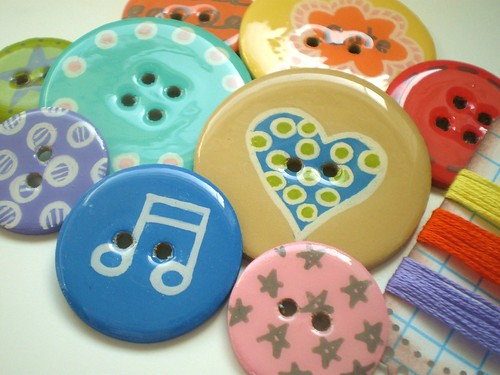 9 VERY BIG Round EXTREMELY SHINY Chipboard Epoxy Button Embellishments with Lacey Scalloped Edge Journaling Tag and Coordinating Embroidery Floss-Everyday Fun