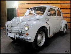 automobile, vehicle, renault 4cv, mid-size car, compact car, antique car, sedan, classic car, vintage car, land vehicle,
