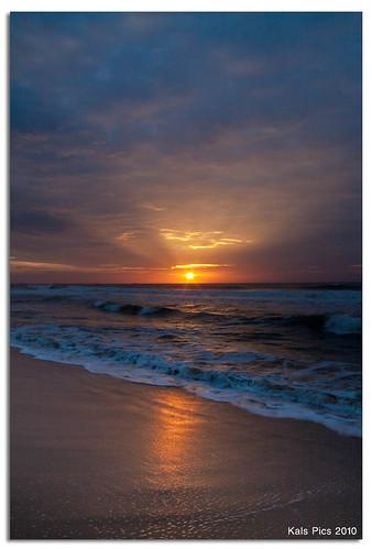 light sea sky india beach nature clouds sunrise canon landscape waves ngc shore chennai seashore tamilnadu besantnagar 50d 18200is kalspics chennaiweekendclickers cwc50