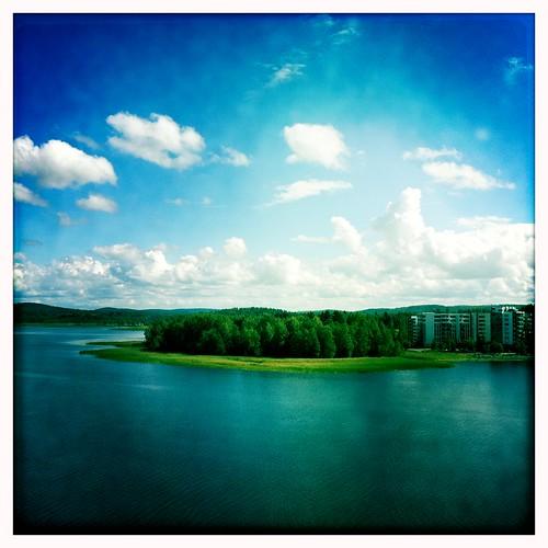 summer sky lake home clouds finland highrise processed jyväskylä järvi jyväsjärvi lutakko horisontti tornitalo iphone4 hipstamatic