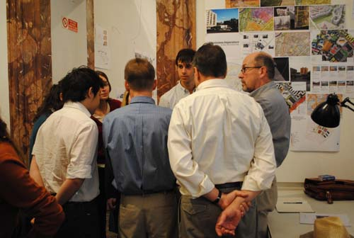 Urban studies students presenting work