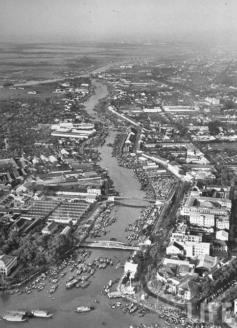 A view of the Saigon River near the harbor of the city. Mar 1950