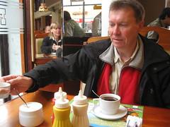 2010-4-peru-517-lima breakfast rokys