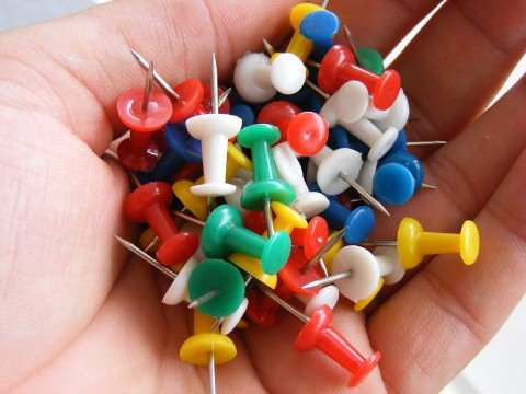 push-pin-tack_colored_29973-480x360