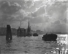 Hamburg Harbour, by E.O. Hoppe 1925