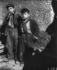 2 poor kids in Naples who got cigarettes from GIs, by George Rodger 1944