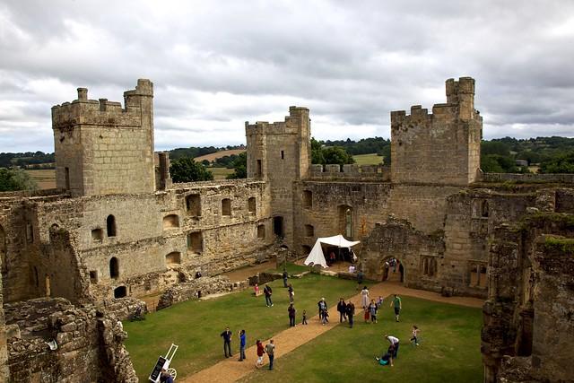 midieval castle essay