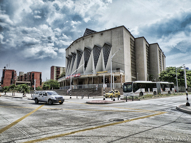 Arquitectura moderna de la catedral de barranquilla for Arquitectura moderna en colombia
