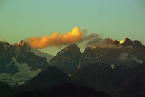sunset summer sky montagne tramonto nuvole estate cielo neve alpinismo rocce colori lombardia ohhh valtellina crepuscolo sondrio panorami escursionismo valmalenco concordians allegrisinasceosidiventa mygearandme