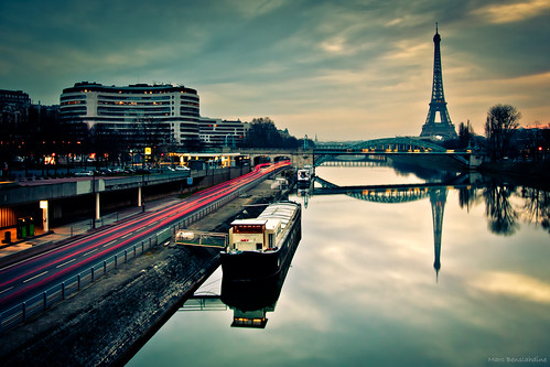Morning reflections in Paris
