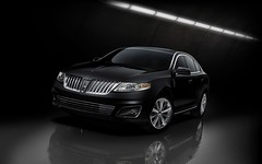crossover suv(0.0), automobile(1.0), automotive exterior(1.0), lincoln motor company(1.0), executive car(1.0), lincoln mks(1.0), wheel(1.0), vehicle(1.0), automotive design(1.0), full-size car(1.0), mid-size car(1.0), lincoln mkt(1.0), grille(1.0), sedan(1.0), land vehicle(1.0), luxury vehicle(1.0),