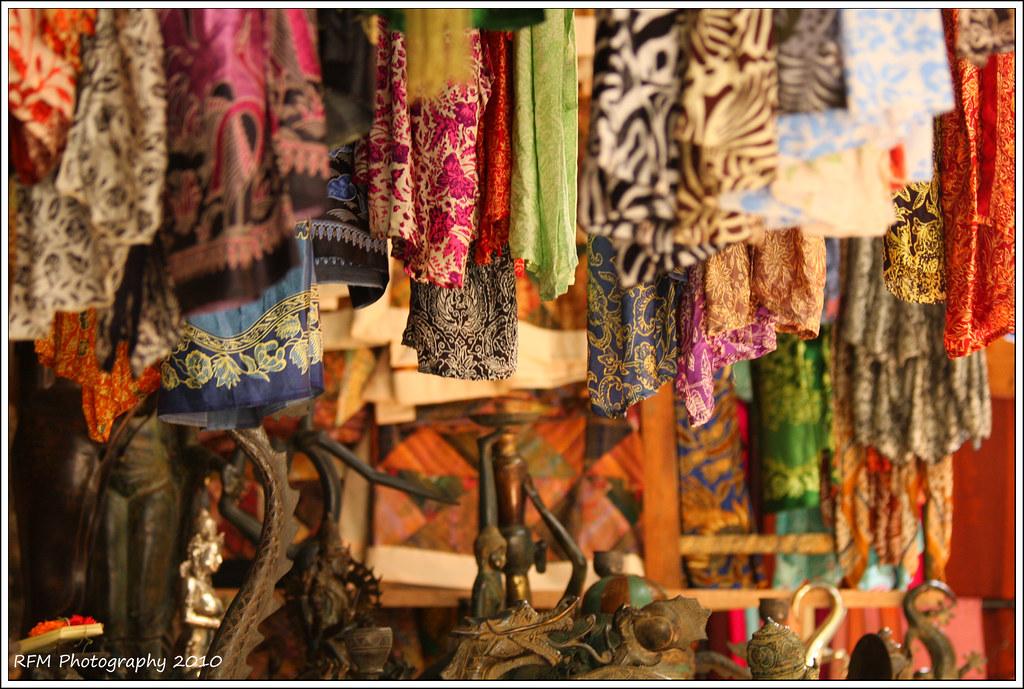 Hanging Market