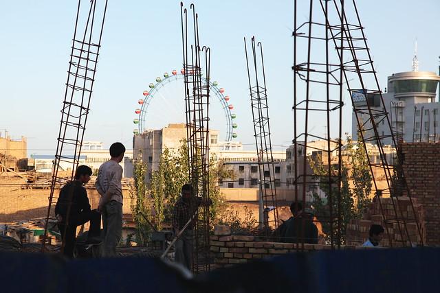 カシュガル、旧市街取り壊し後の再建現場
