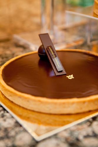 La maison du chocolat pastries reveal la nuit du for Macarons la maison du chocolat