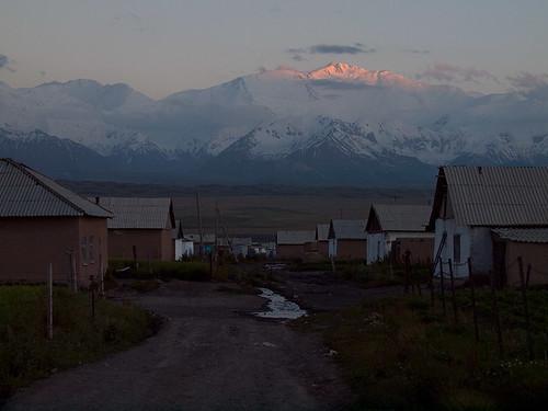 road street lenin sunset house mountain building home night landscape evening asia village view peak mount kyrgyzstan pik kirghizistan kirgistan kirgizia alay kirgizistan kirgizië kirgisistan piklenin قيرغيزستان kirguistan kirghizia sarymoghul kırgızistan quirguistão киргизия кыргызстан 吉尔吉斯斯坦 吉爾吉斯斯坦 キルギスタン 키르기스스탄 किर्गिज़स्तान קירגיזסטן sarymogol сарымогол алай