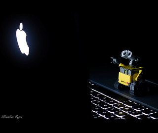 Wall-E Mac addict ? - Steve Jobs Tribute - RIP -