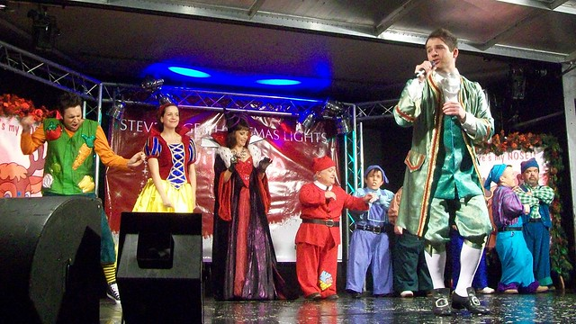 Daniel Boys and the cast of Snow White and the Seven Dwarfs – Stevenage Christmas Lights Switch-on 2010