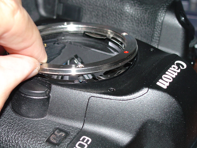 Canon EOS 5D Mark II Lens Mount Separation...