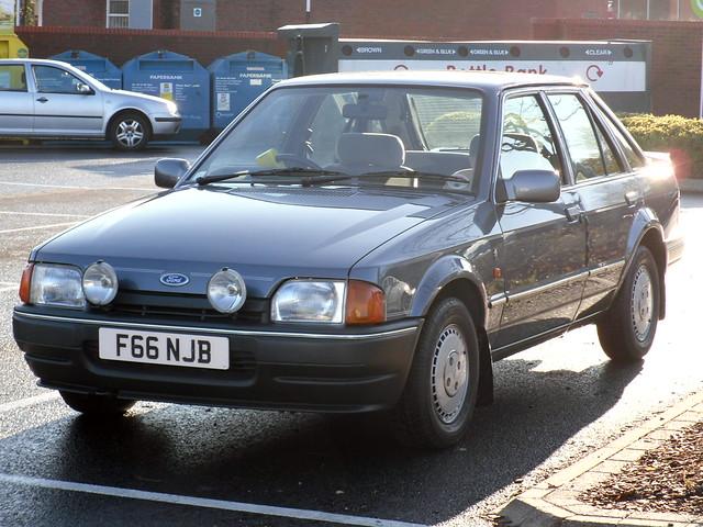 1988 ford escort 1 6 ghia hatchback a photo on flickriver. Black Bedroom Furniture Sets. Home Design Ideas