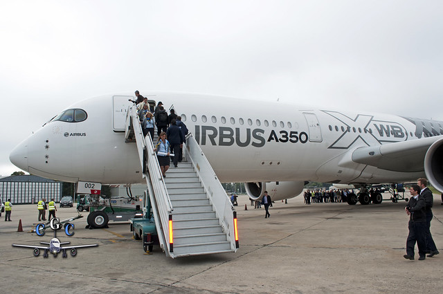 AIRBUS A350-002