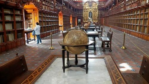 2015: Biblioteca Palafoxiana, Puebla, México.