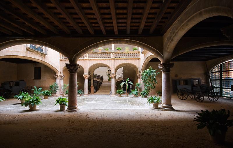 Patio del Palau Vivot (Palma de Mallorca).