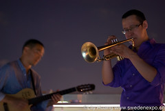 string instrument(0.0), trombone(0.0), singing(0.0), musician(1.0), trumpet(1.0), musical instrument(1.0), music(1.0), jazz(1.0), guitarist(1.0), brass instrument(1.0),