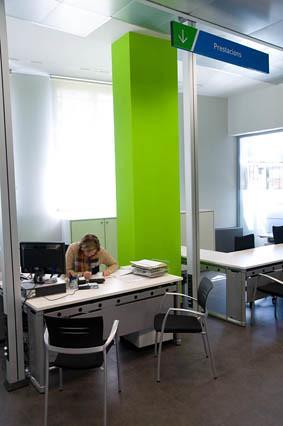 Nova oficina de treball de la seu d urgell flickr for Oficina atur