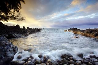 Laupahoehoe Cove