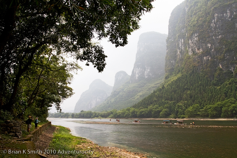 Exploring the Li River between Guilin and Yangshuo by Adventurocity