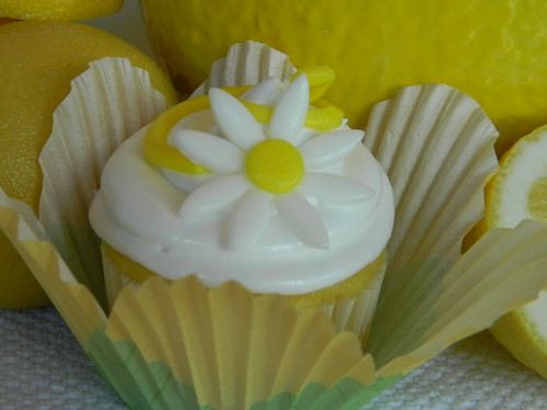 Lemon Merringue Cupcakes by couturecakesbyangela