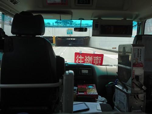 台中公車74路:鑽過中清路涵洞