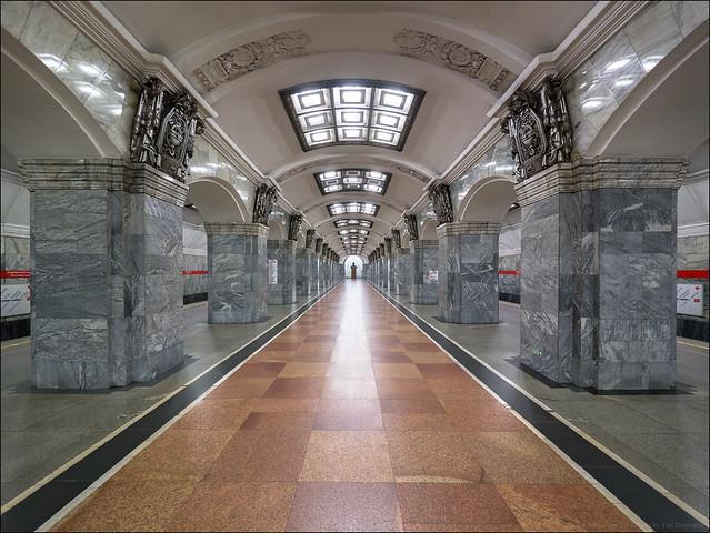 Russia. Saint Petersburg. Station, Panasonic DMC-G3, Lumix G Vario 7-14mm F4.0 Asph.