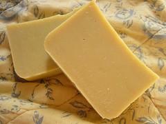 parmigiano-reggiano(0.0), gruyã¨re cheese(1.0), pecorino romano(1.0), food(1.0), dairy product(1.0), cheese(1.0), cheddar cheese(1.0),