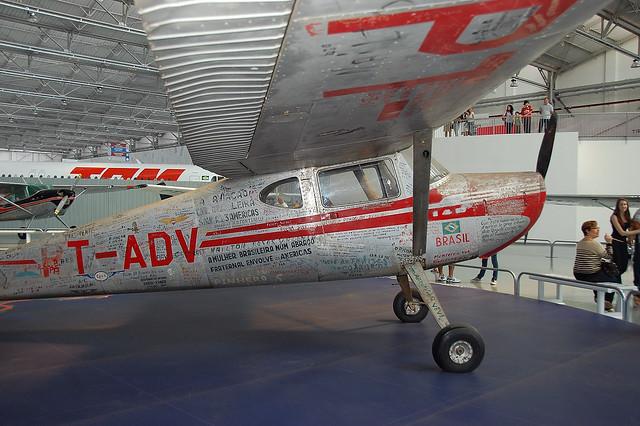 aviador ray ban  por um aviador