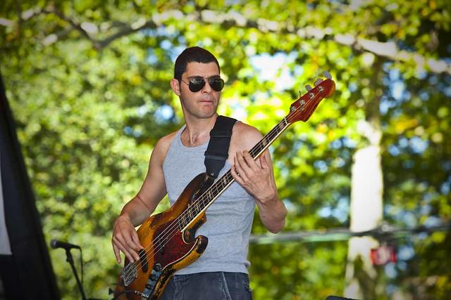 Duman bassist Ari Barokas