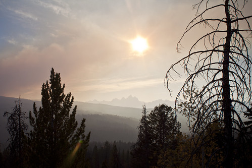 grandteton tetons mountains fire forestfire haze smoke sun trees afternoon wyoming wy elbofire