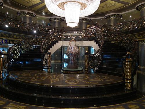 ホテルリスボア 1階